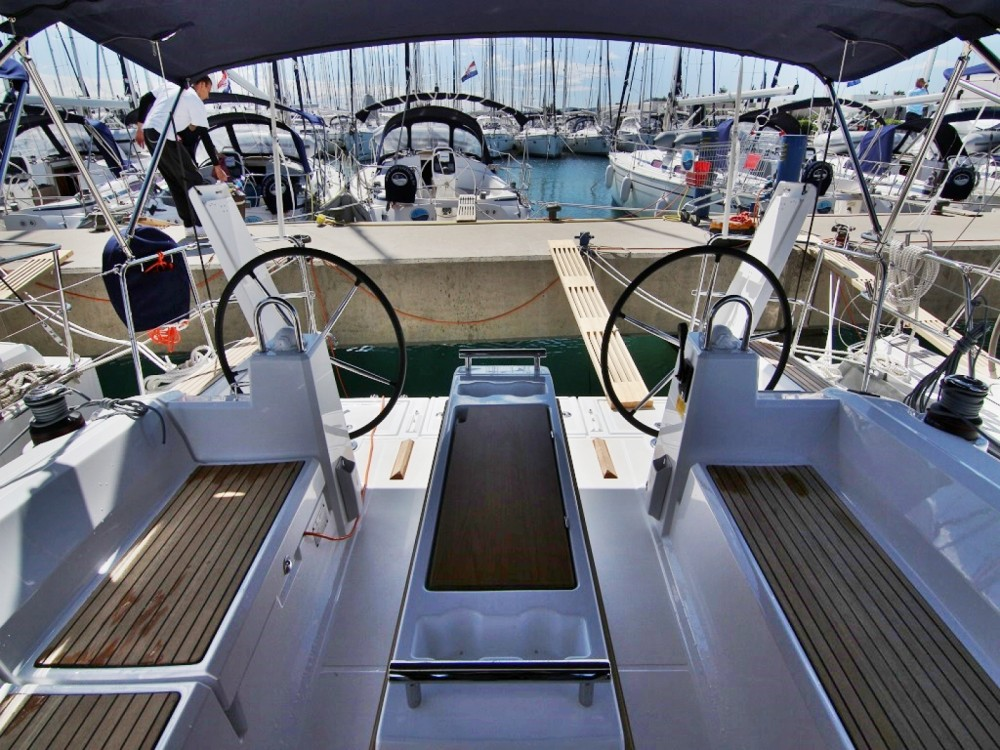 Rental yacht Sukošan - Bénéteau OCEANIS 38.1 BT on SamBoat
