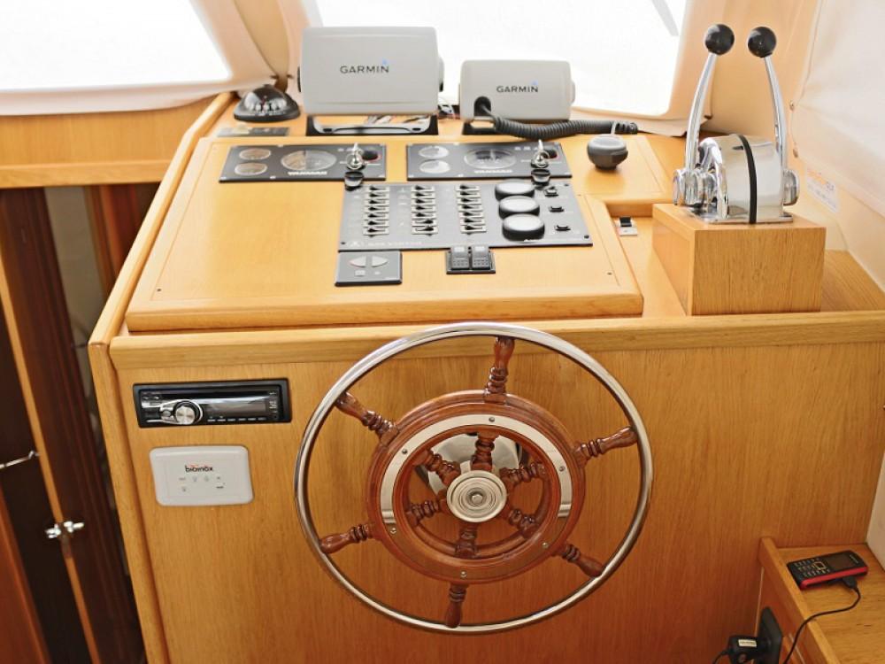 Location Bateau à moteur Sas Vektor avec permis