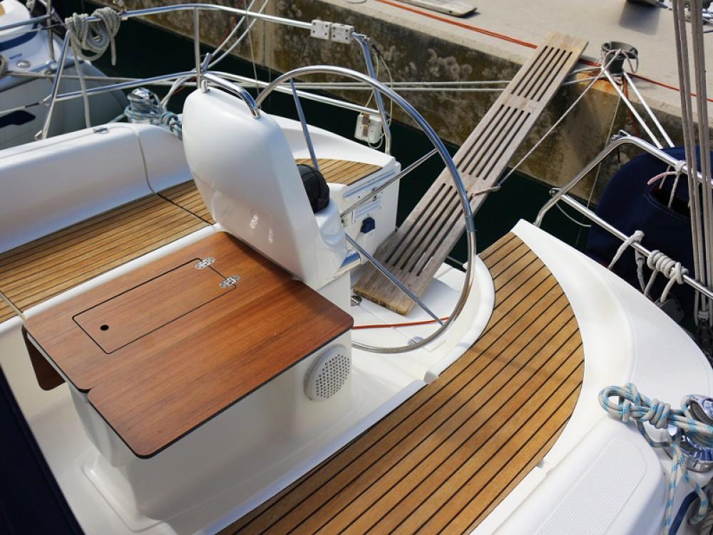 Location yacht à Sukošan - Bavaria Bavaria 33 sur SamBoat
