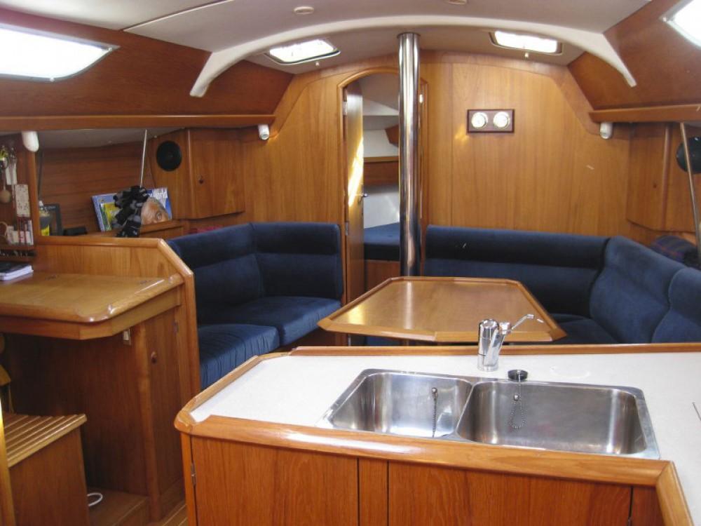 Location bateau Jeanneau Sun Odyssey 36.2 à Leucade sur Samboat