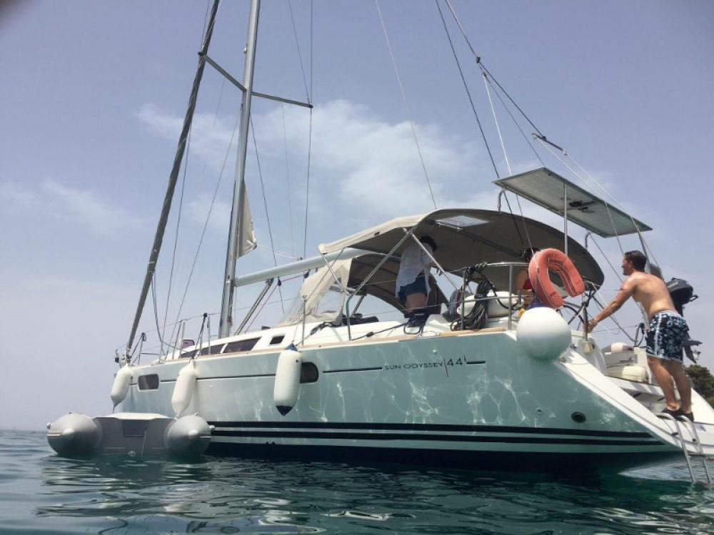Location bateau Jeanneau Sun Odyssey 44i à Leucade sur Samboat