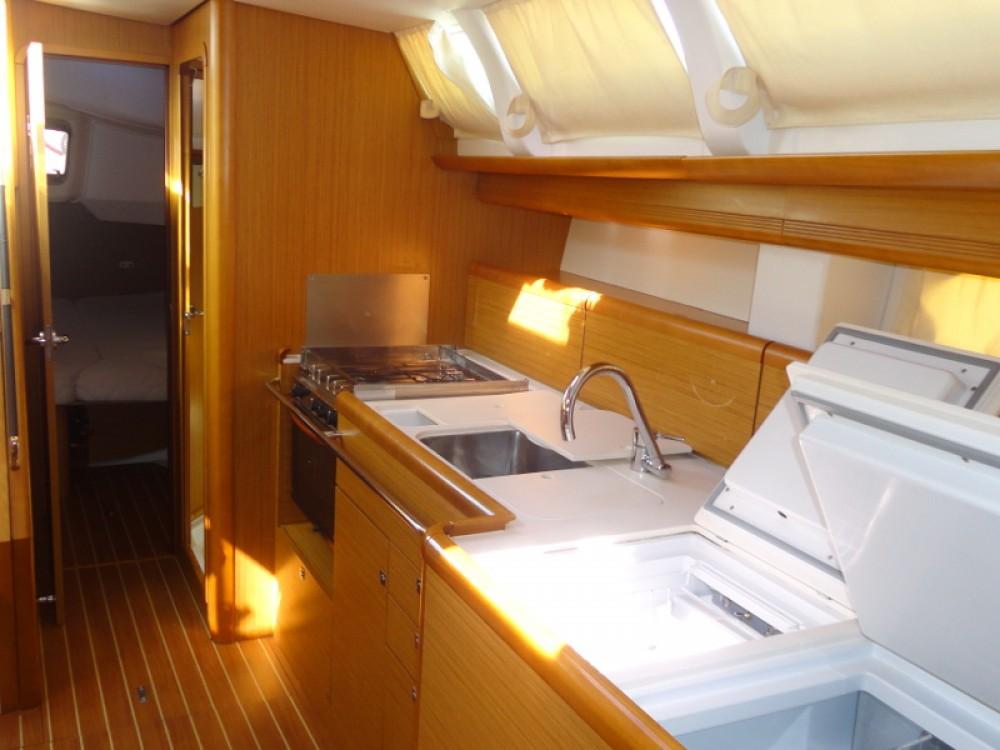 Jeanneau Sun Odyssey 44i entre particuliers et professionnel à Leucade
