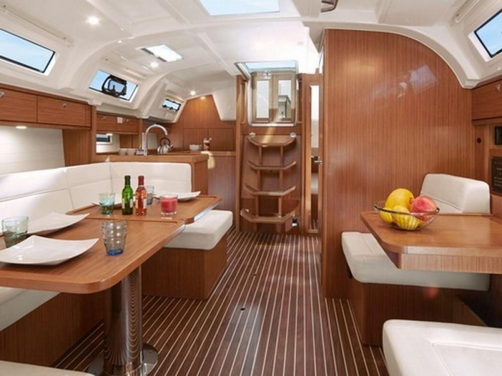 Boat rental Bavaria Bavaria Cruiser 41 in ACI Marina Split on Samboat