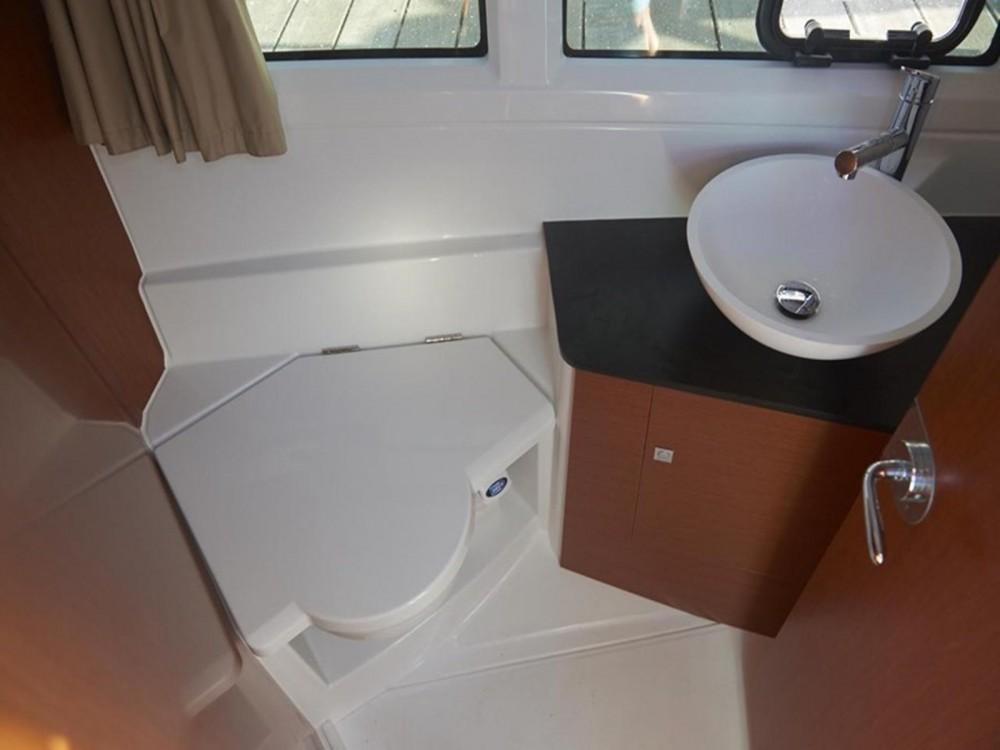 Boat rental Jeanneau Jeanneau Merry Fisher 895 in Marina Kaštela on Samboat