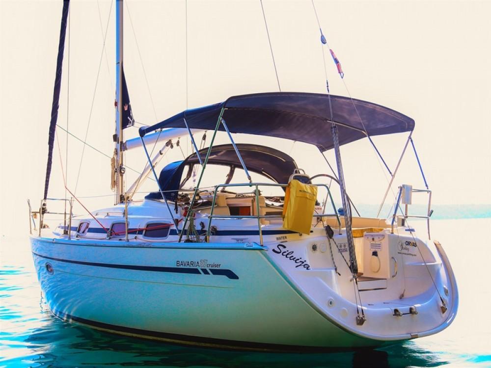 Bavaria Bavaria 37 Cruiser entre particuliers et professionnel à ACI Marina Split