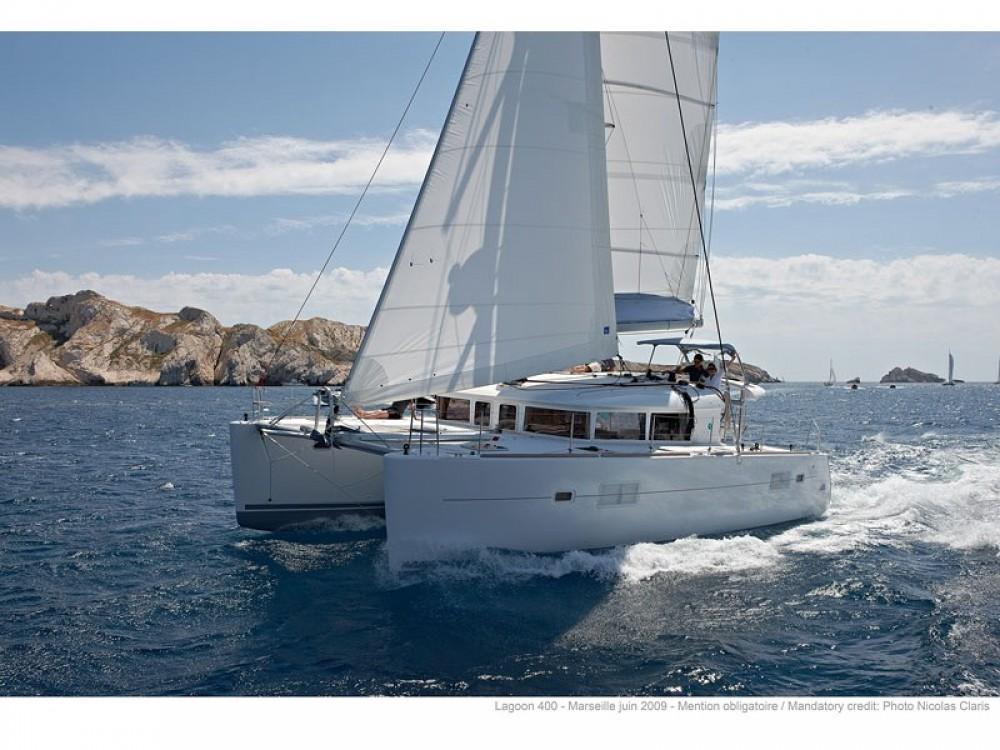 Rental yacht Le Marin - Lagoon Lagoon 400 S2 on SamBoat