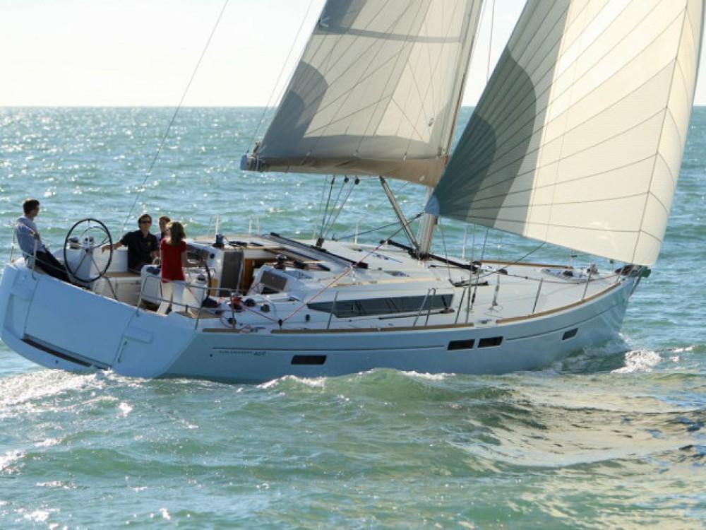 Louez un Jeanneau Sun Odyssey 469 à Le Marin