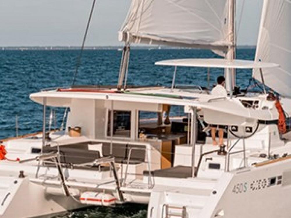 Rental Catamaran in Le Marin - Lagoon Lagoon 450 Sportop