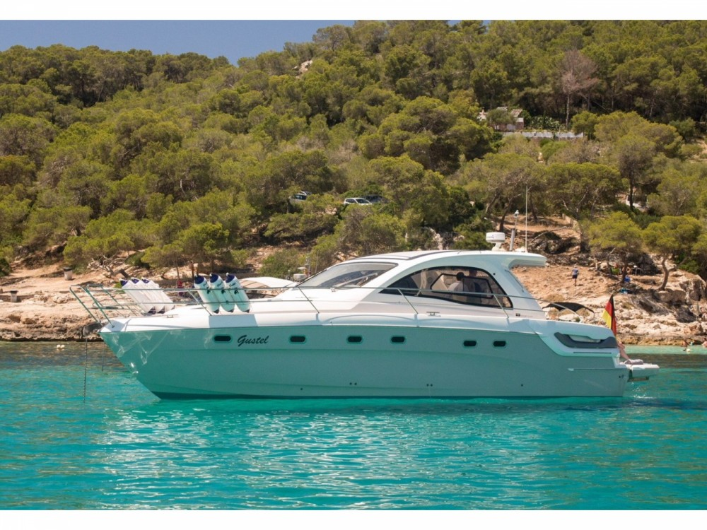 Hire Motor boat with or without skipper Bavaria Marina Naviera Balear