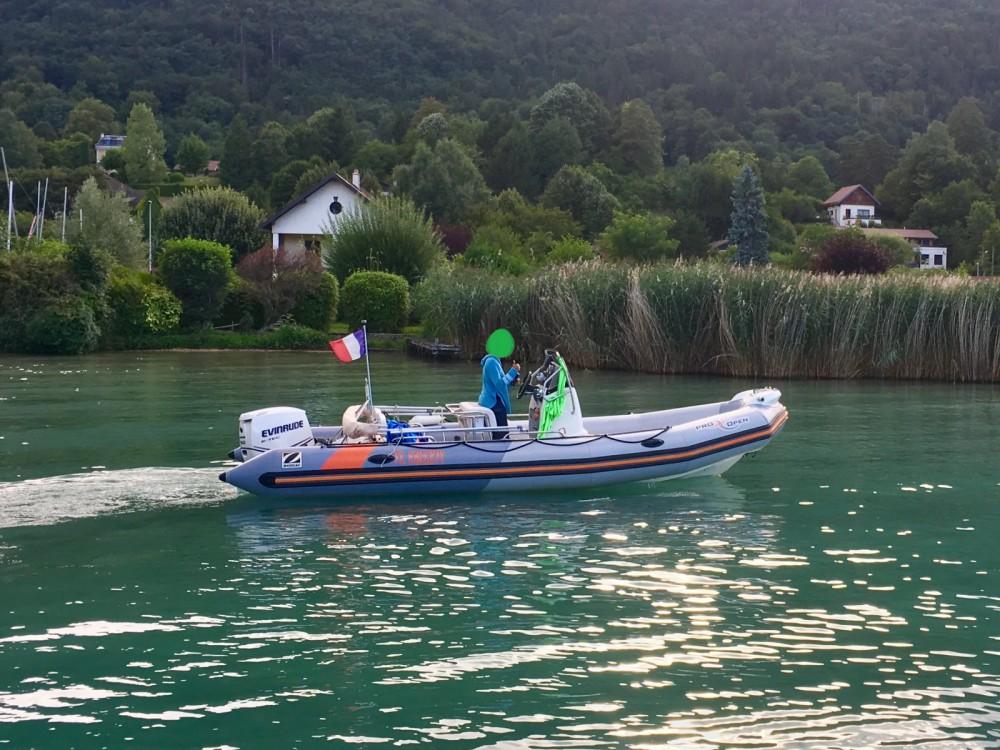 Zodiac Pro Open entre particuliers et professionnel à Albigny-sur-Saône