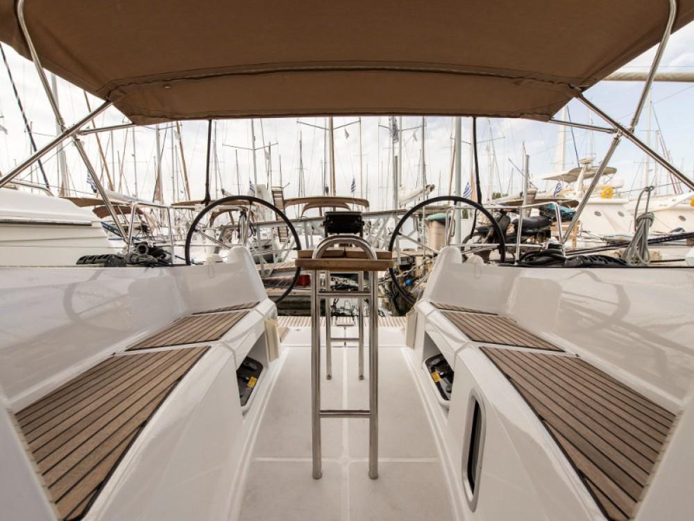Louez un Jeanneau Sun Odyssey 349 à Marina de Alimos