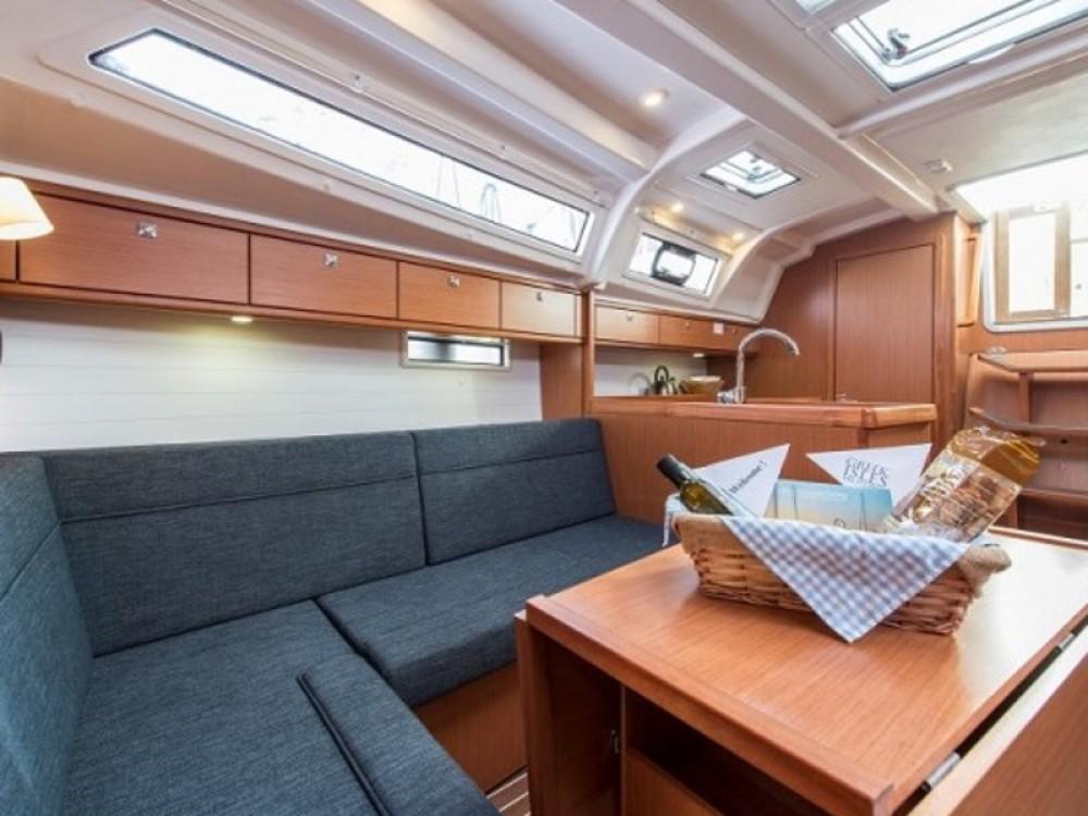 Bavaria Cruiser 37 entre particuliers et professionnel à Μαρίνα Αλίμου