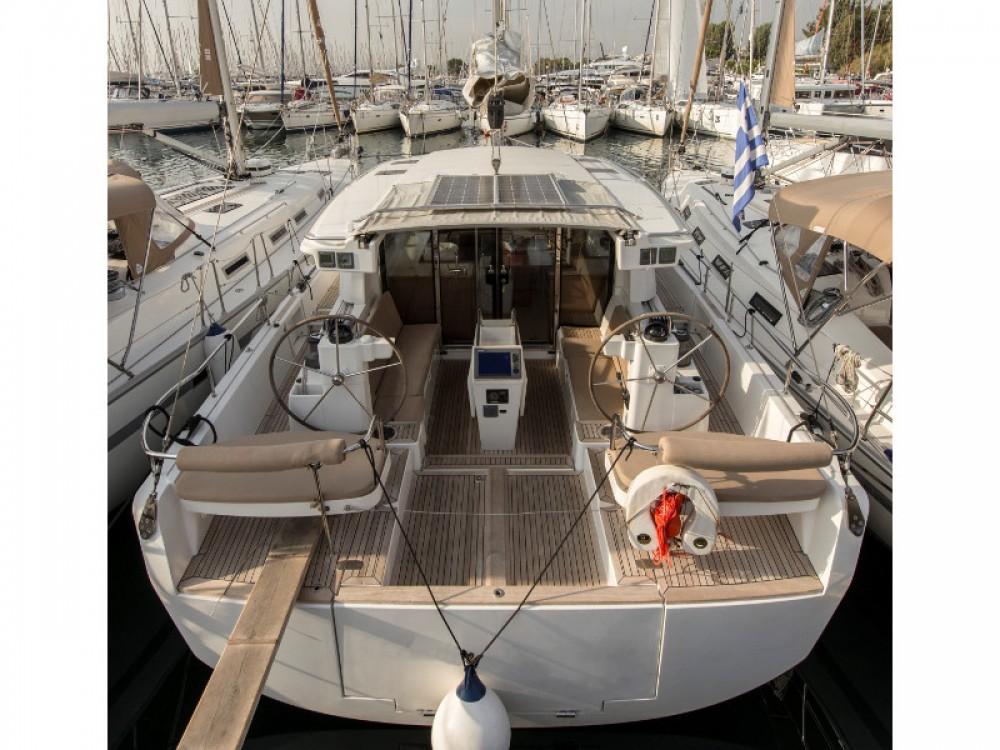 Louer Voilier avec ou sans skipper Moody à Marina de Alimos