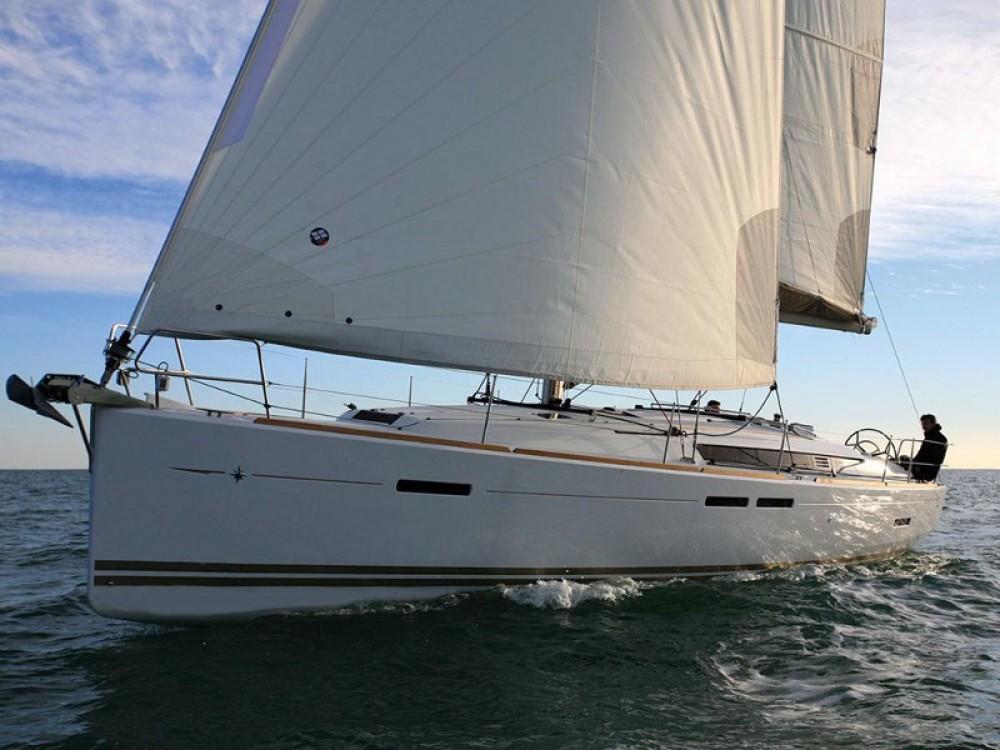 Jeanneau Sun Odyssey 439 entre particuliers et professionnel à Marina de Alimos