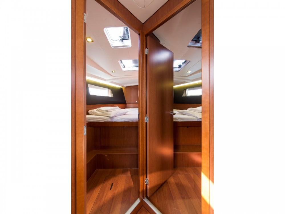 Location yacht à Marina de Alimos - Bénéteau Oceanis 45 sur SamBoat