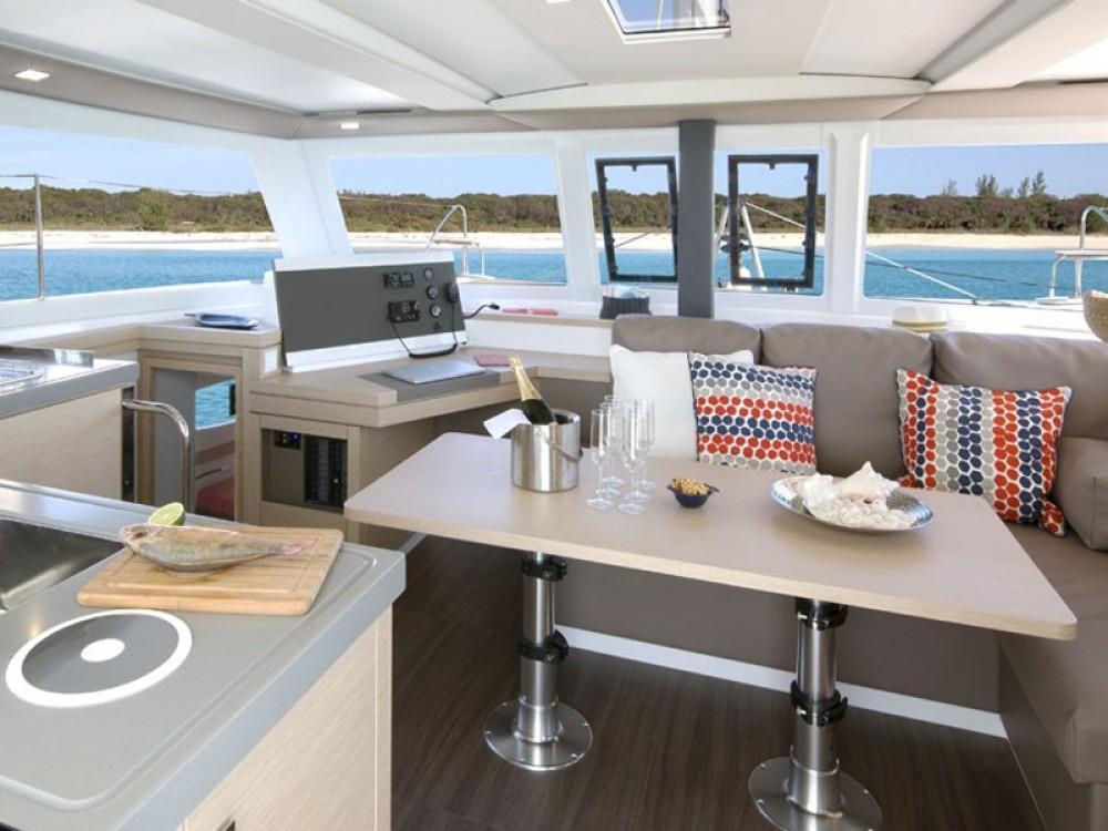 Rental yacht Alimos Marina - Fountaine Pajot Lucia 40 on SamBoat