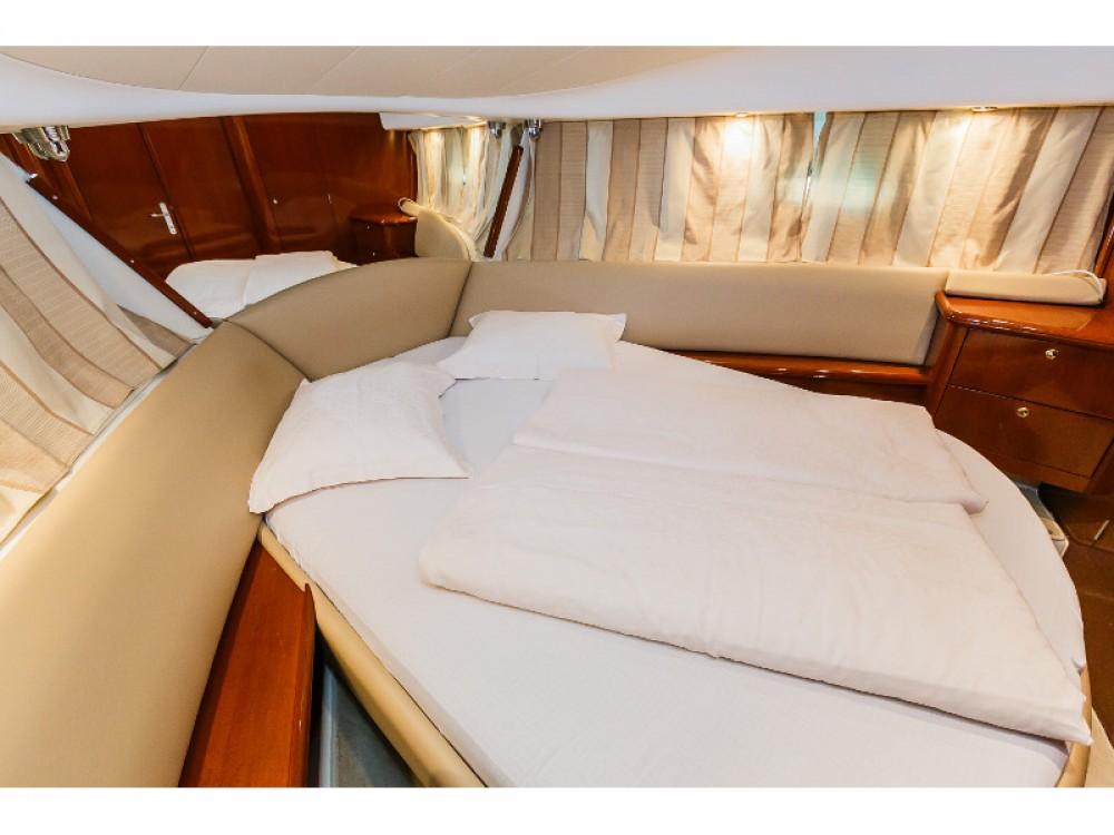 Location bateau Jeanneau Jeanneau Prestige 36 Fly à Primošten sur Samboat