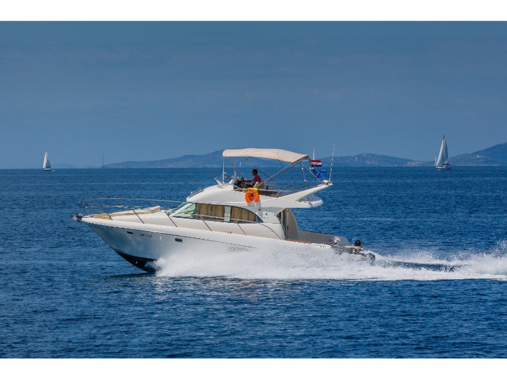 Location bateau Primošten pas cher Jeanneau Prestige 36 Fly
