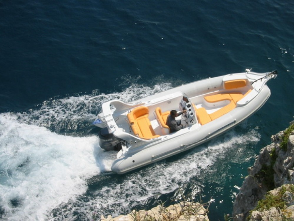 Rental Motor boat  with a permit