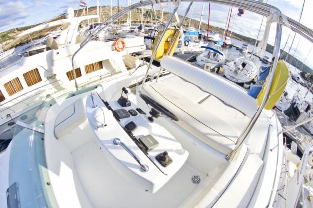Location bateau Primošten pas cher Lagoon Powercat 43