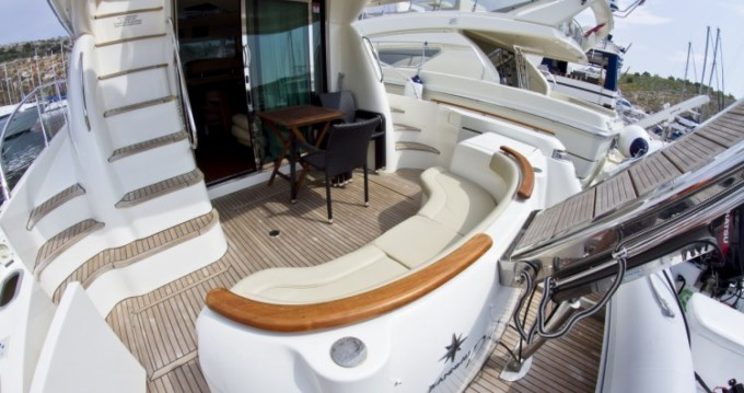 Hire Motor boat with or without skipper Jeanneau Primošten