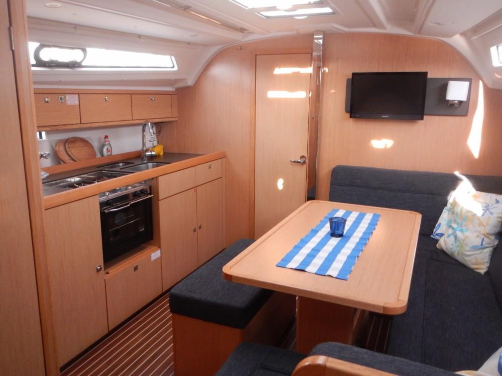 Bavaria Cruiser 41 entre particuliers et professionnel à ACI Marina Split