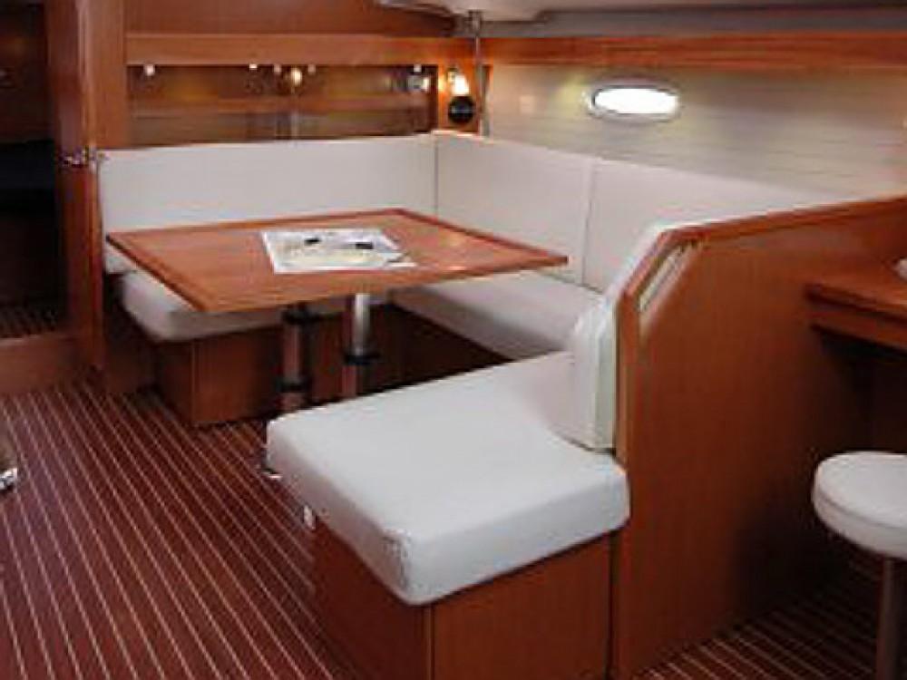 Location bateau Marina di Portisco pas cher Bavaria 43 C