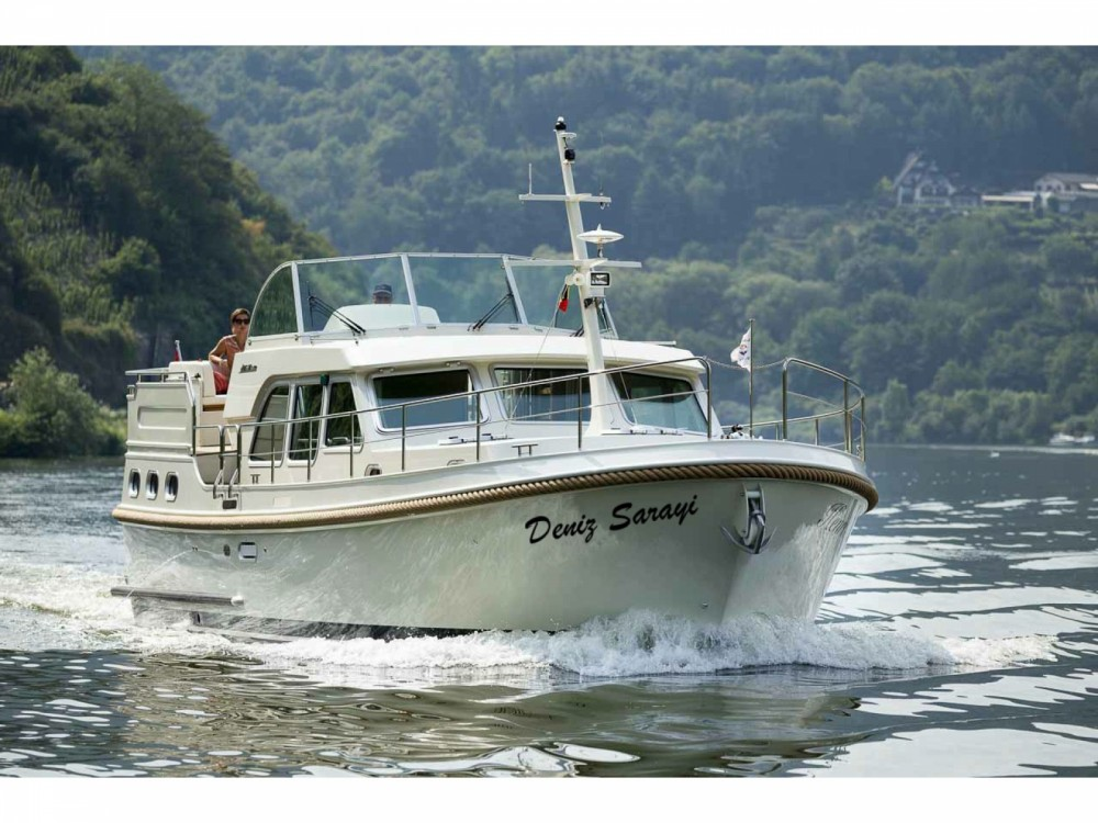 Linssen Linssen Grand Sturdy 40.0 AC between personal and professional