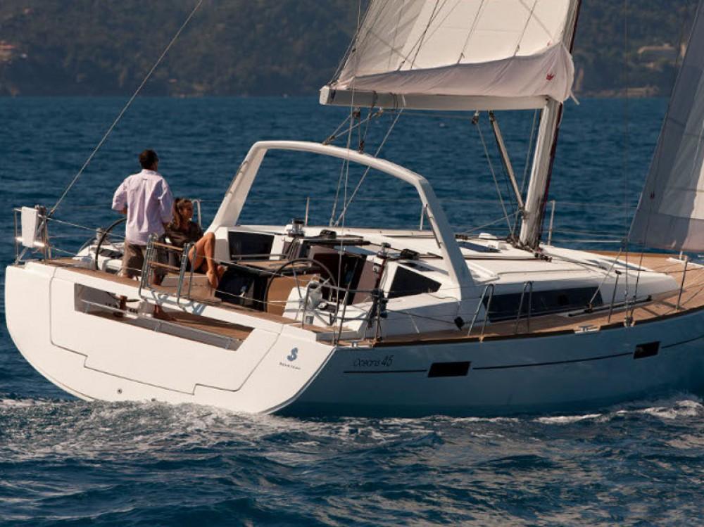 Location bateau Bénéteau Oceanis 45 à Leucade sur Samboat
