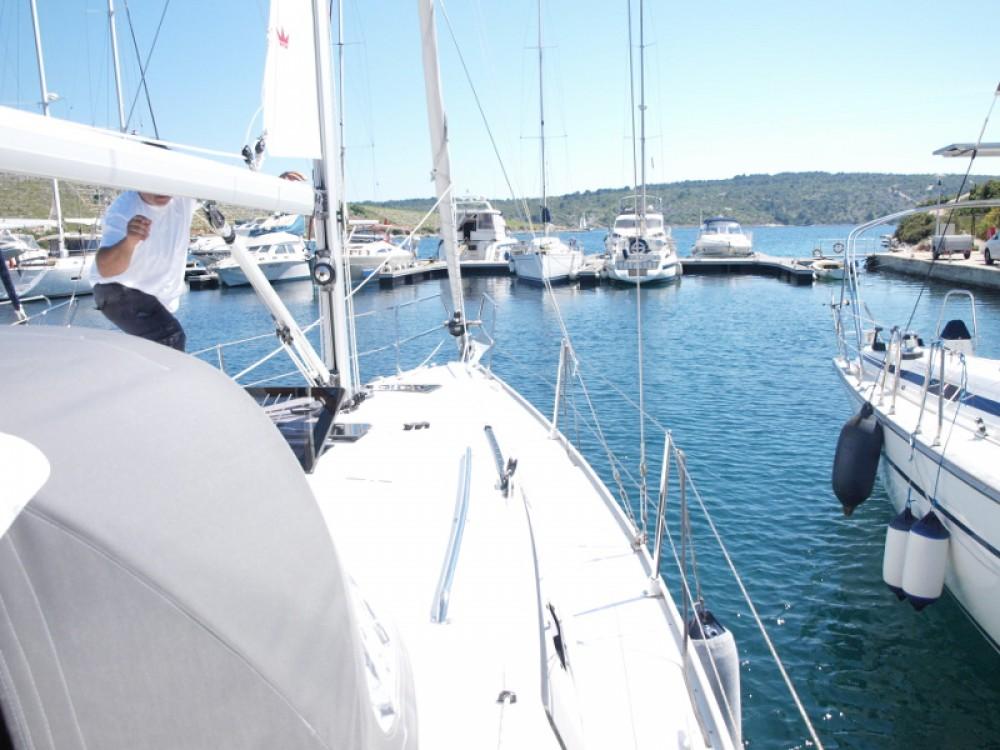 Bavaria Bavaria Cruiser 33 entre particuliers et professionnel à Primošten