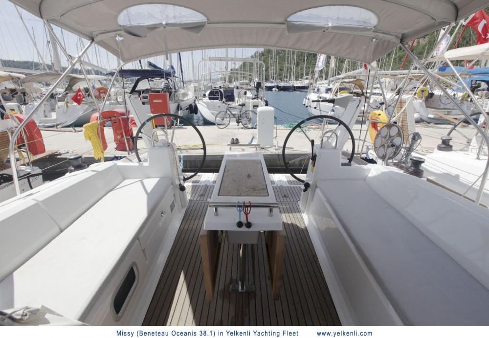 Location bateau Bénéteau Oceanis 38.1 à Orhaniye sur Samboat