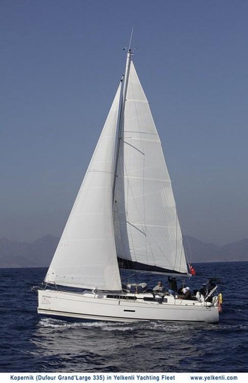 Location bateau Dufour Dufour 335 GL à Orhaniye sur Samboat