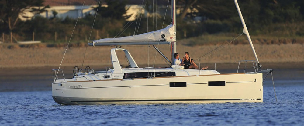 Location bateau Orhaniye pas cher Oceanis 35
