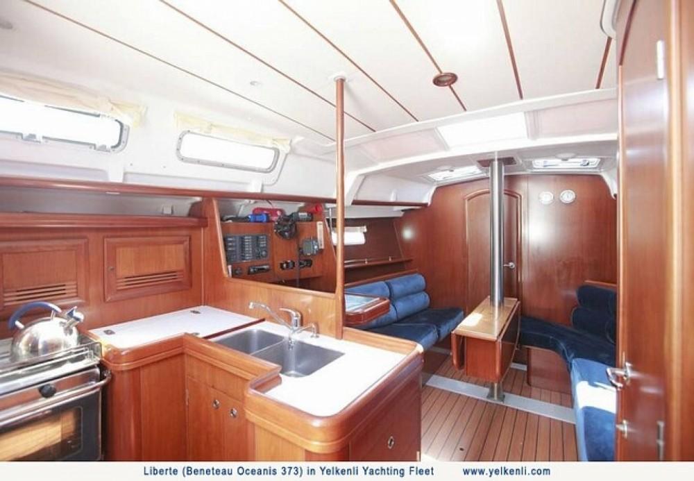 Location yacht à Orhaniye Mahallesi - Bénéteau Oceanis 373 sur SamBoat