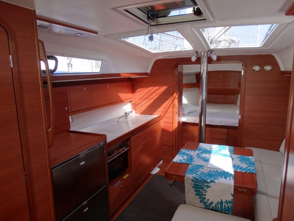Location yacht à Μαρίνα Αλίμου - Dufour Dufour 38 sur SamBoat