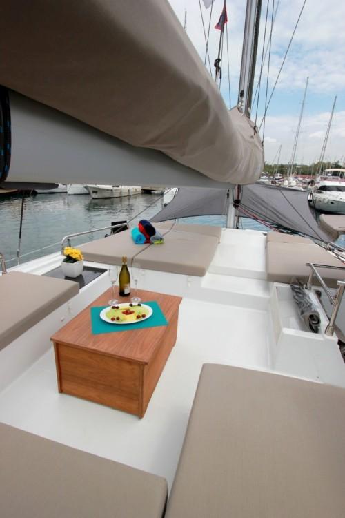 Location bateau Fountaine Pajot Saba 50 à Myconos sur Samboat