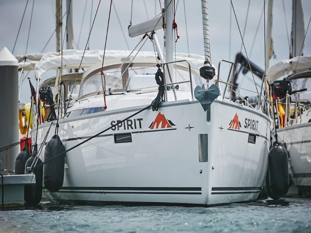 Location yacht à Marina Lanzarote - Bavaria Bavaria Cruiser 41 sur SamBoat
