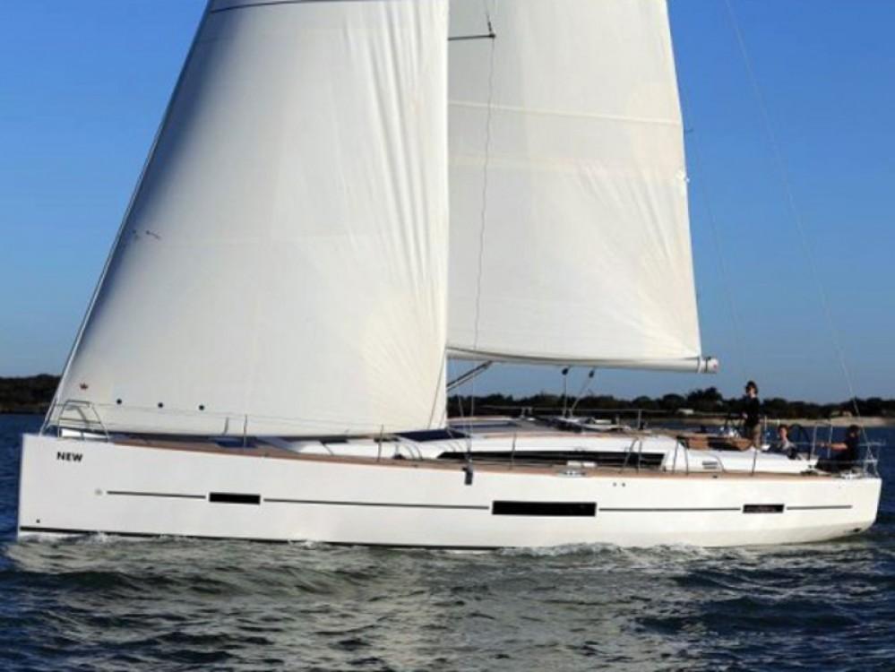 Location bateau Dufour Dufour 512 GL à Arona sur Samboat