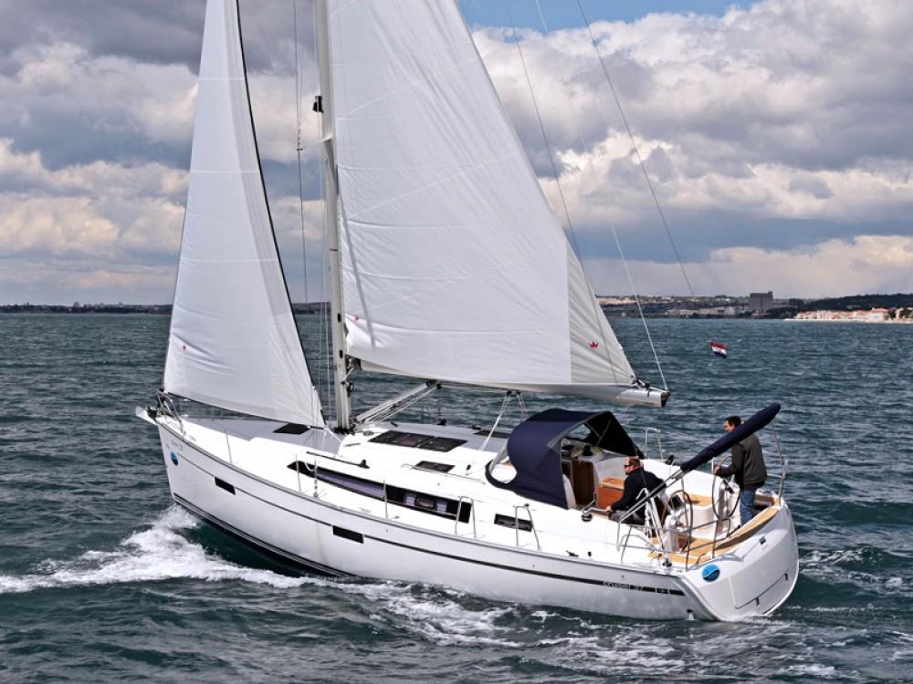 Bavaria Cruiser 37 entre particuliers et professionnel à Marina Zadar