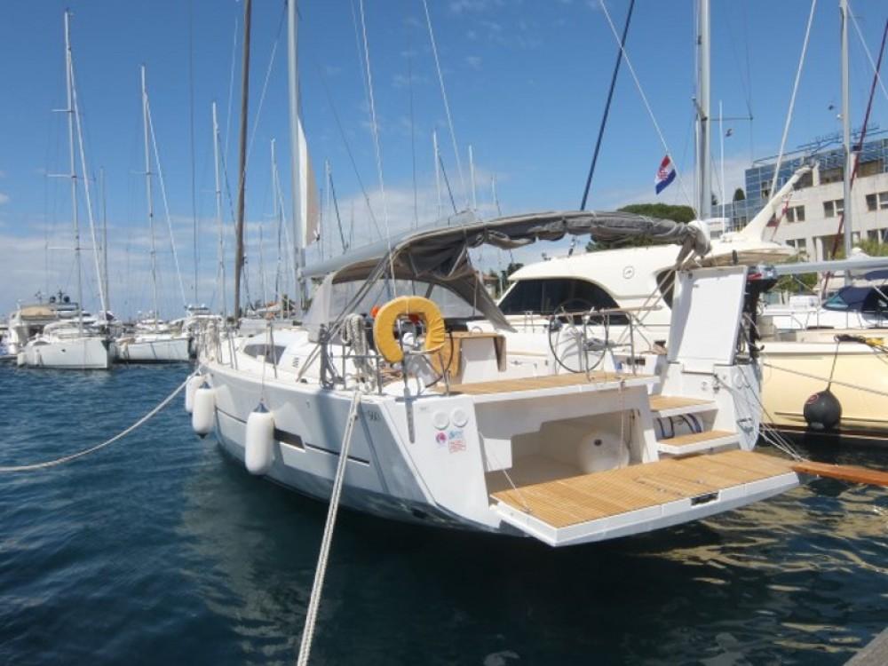 Dufour Dufour 560 entre particuliers et professionnel à Marina Borik