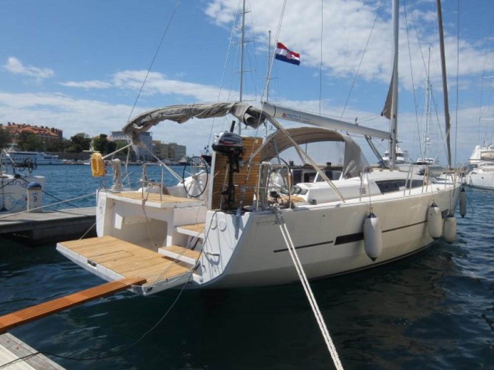 Location bateau Marina Borik pas cher Dufour 560