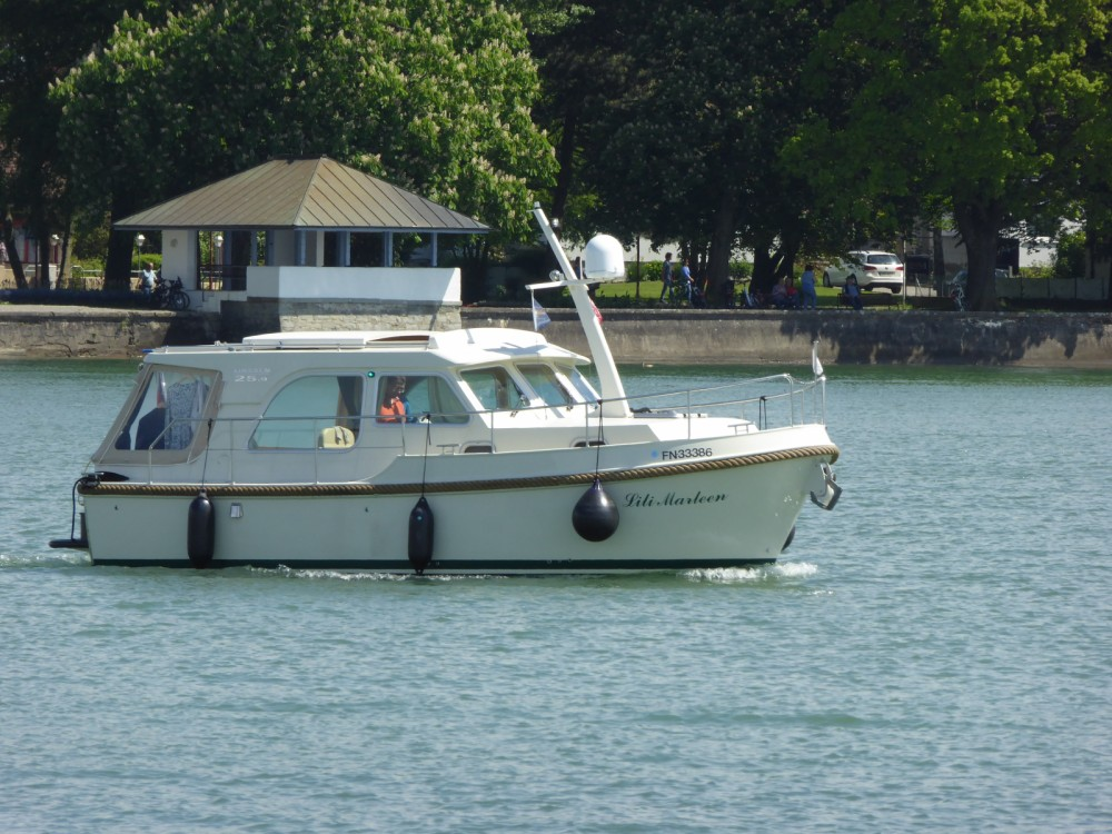 location bateau  u00e0 moteur linssen linssen gs 25 9 sedan