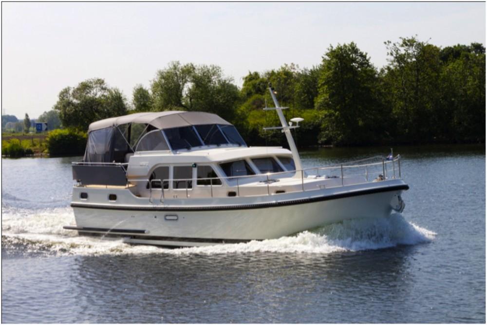 Louer Bateau à moteur avec ou sans skipper Linssen à Marina Buchholz