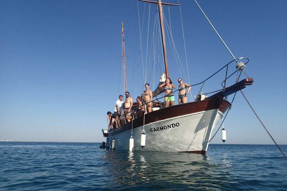Mallorquina  motor-sailing between personal and professional Setúbal