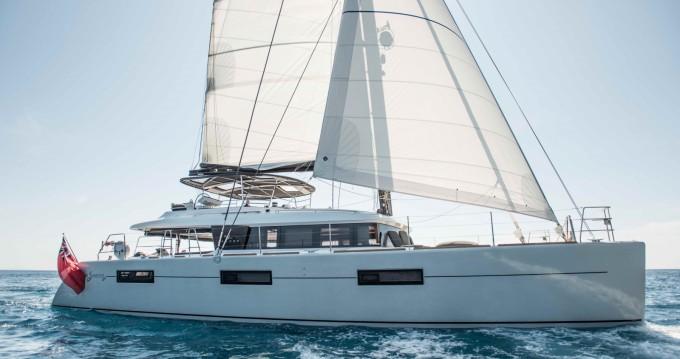 Location bateau Salerno pas cher Lagoon 620