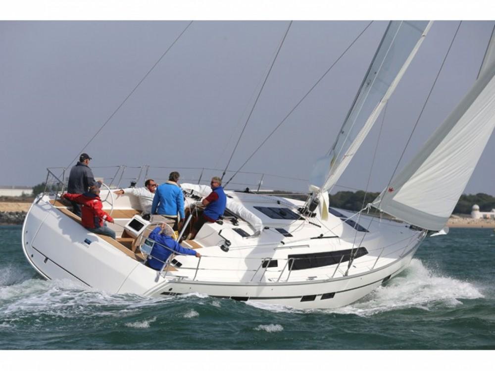 Rental Sailboat in Alimos Marina - Bavaria Bavaria Cruiser 46