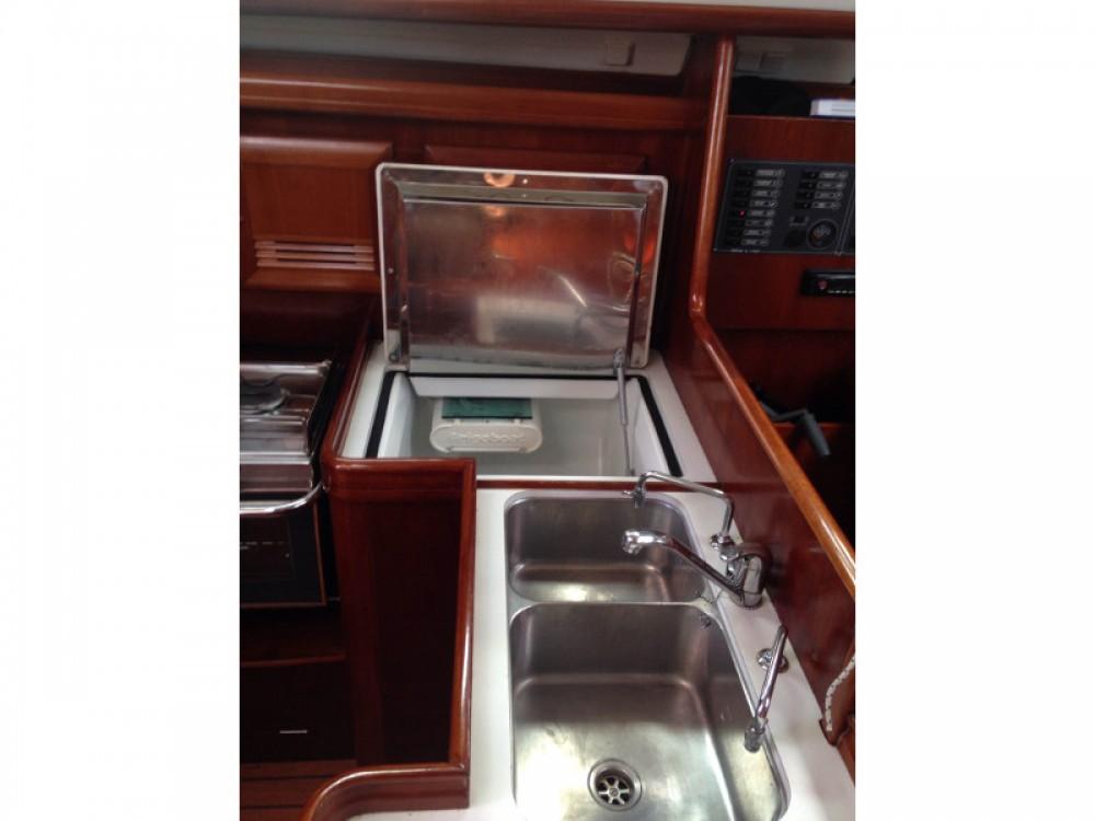 Location bateau Bénéteau Oceanis 373 Clipper à Marina de Alimos sur Samboat