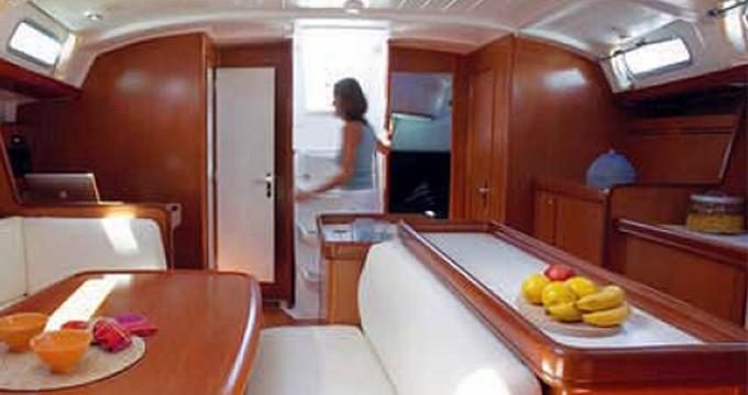 Rental Sailboat in Μαρίνα Αλίμου - Bénéteau Cyclades 50.5