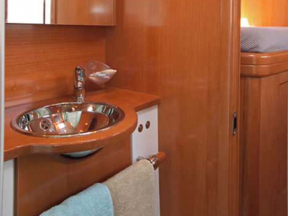 Louer Catamaran avec ou sans skipper Lagoon à Salerne