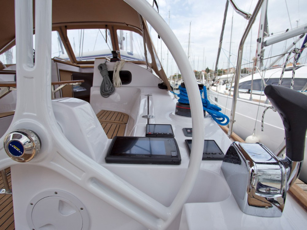 Location bateau Sibenik pas cher Elan 40